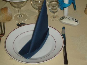 D coration de salle et de table de mariage mariagetv - Pliage serviette theme mer ...
