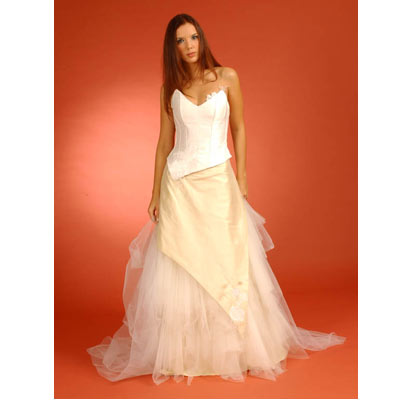 Collection muriel prando robe de mariage mari e mariagetv for Robe de mariage tronc spectacle