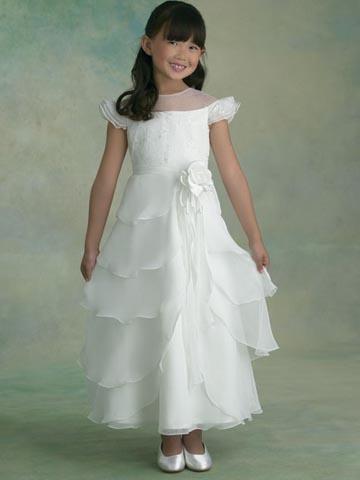 collection cort ge enfant demetrios kukla robe mariage fin mariagetv. Black Bedroom Furniture Sets. Home Design Ideas
